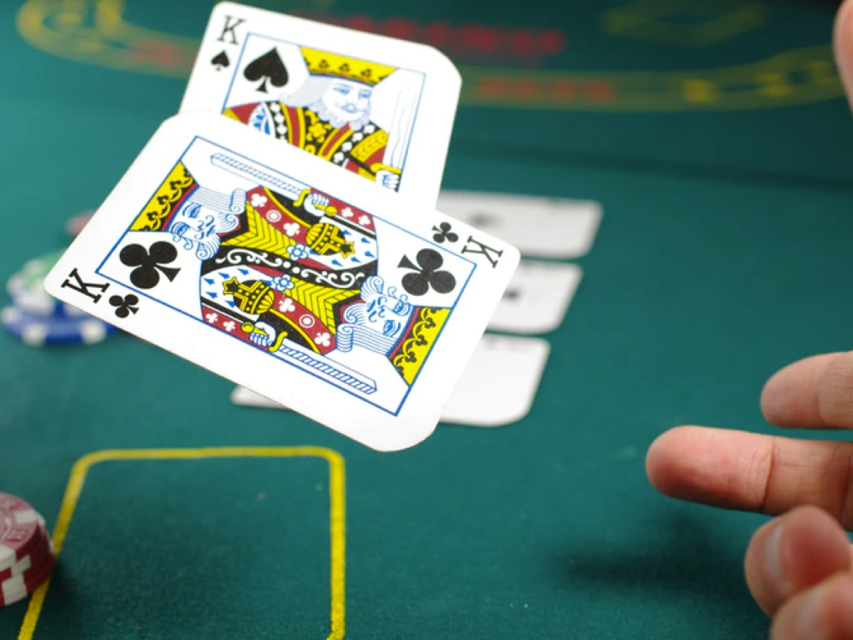 4 Poker Tips You Can Use to Win More in Online Betting Casinos